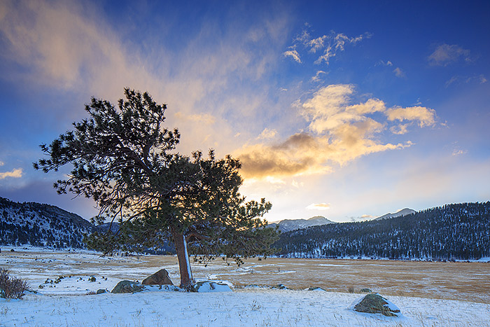 The first sunrise of 2014 unfolds over Rocky Mountain National Park and Moraine Park. New snow covers the meadow and the frozen Big Thompson river as it snakes it's way eastward towards Estes Park. The view on this morning is quite different from this location on New Years Day then a few days following. Technical Details: Canon EOS 5D Mark III, 24mm TS-E F3.5 L II