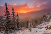 Lake Haiyaha,Bear Lake Road,Bear Lake Trailhead,Sunrise,Landscape,RMNP,Colorado,Rocky Mountain National Park,September,Snow,winter,fall,autumn,trailhead