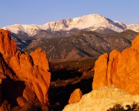 Pikes Peak, Garden of the Gods, Gateway Rock, Colorado Springs, Colorado