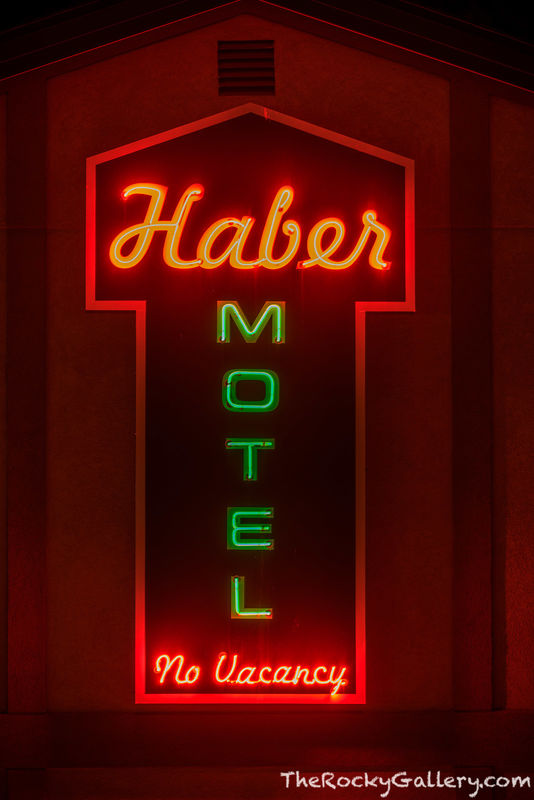 Haber Motel,Neon,Sign,Estes Park,Motel,US 36,US 34,Colorado,Elkhorn Ave,RMNP,Rocky Mountain National Park,Photography,Downtown,Lodging