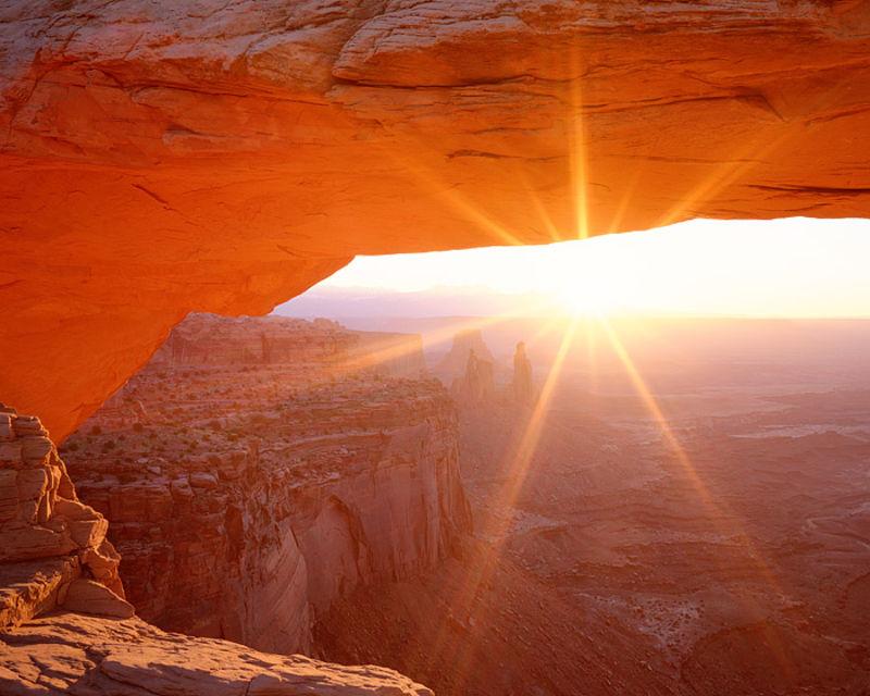 Mesa Arch Morning Sunstar