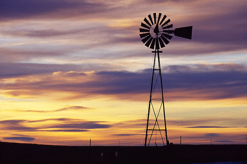 Thunder Basin Windmill and Cistern