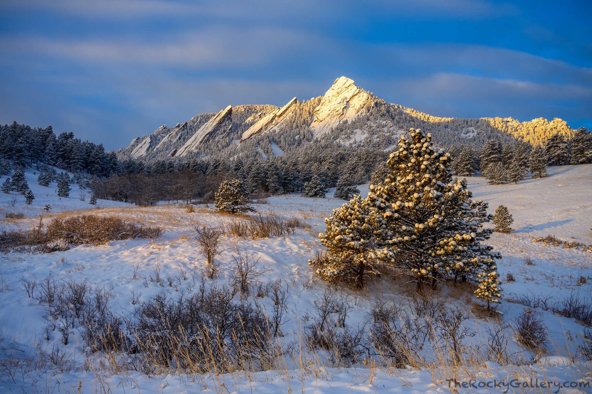 Snow fell all night on Boulder, Colorado leaving its famous Flatiron formation covered in white powder. Out in Chautauqua Meadow...