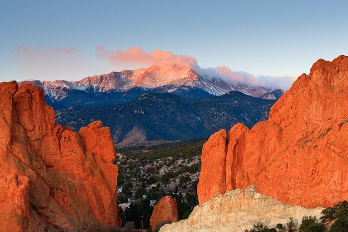 Pikes Peak, Garden of the Gods, Gateway Rocks, Colorado Springs, photo