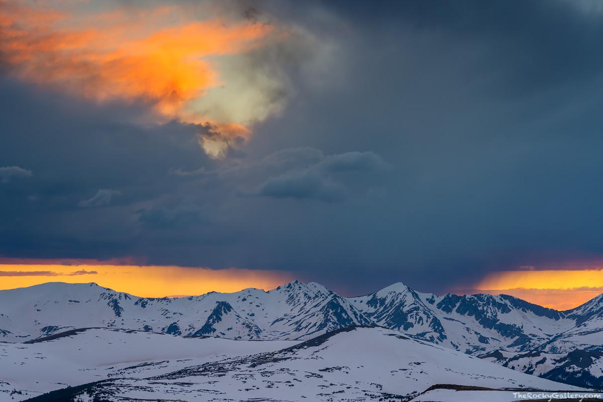 Never Summer Mountains,Shipler Mountain,Gore Range Overlook,Trail Ridge Road,Sunset,Estes Park,Grand Lake,Rocky Mountain National Park,Colorado,RMNP,Landscape,Photography,June,timberline, photo