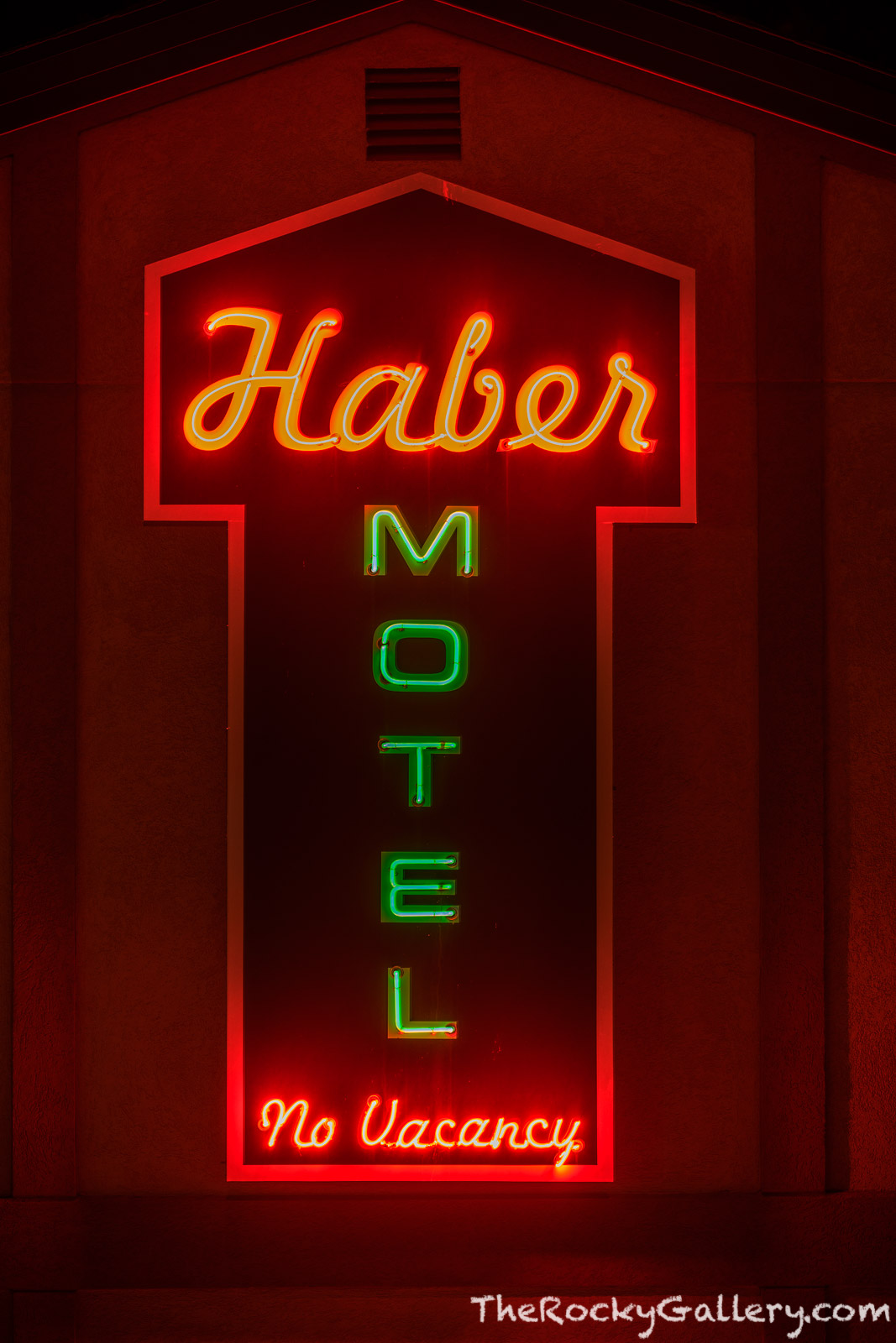 Haber Motel,Neon,Sign,Estes Park,Motel,US 36,US 34,Colorado,Elkhorn Ave,RMNP,Rocky Mountain National Park,Photography,Downtown,Lodging, photo