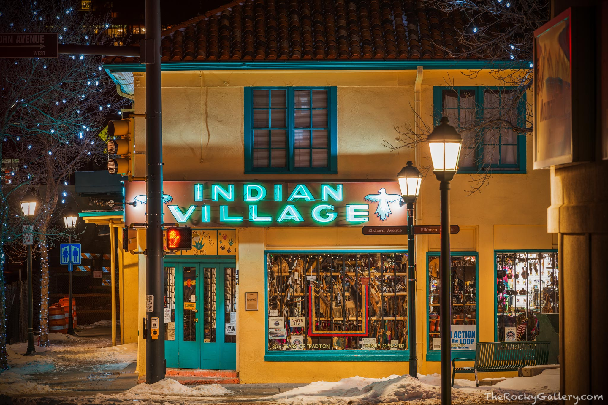 Millers Indian Village,Elkhorn Ave,Moraine Ave,100 W. Elkhorn,RMNP,Curios,Colorado,Night,January,Winter,Rocky Mountain National Park,Neon,Sign,Street,downtown, photo