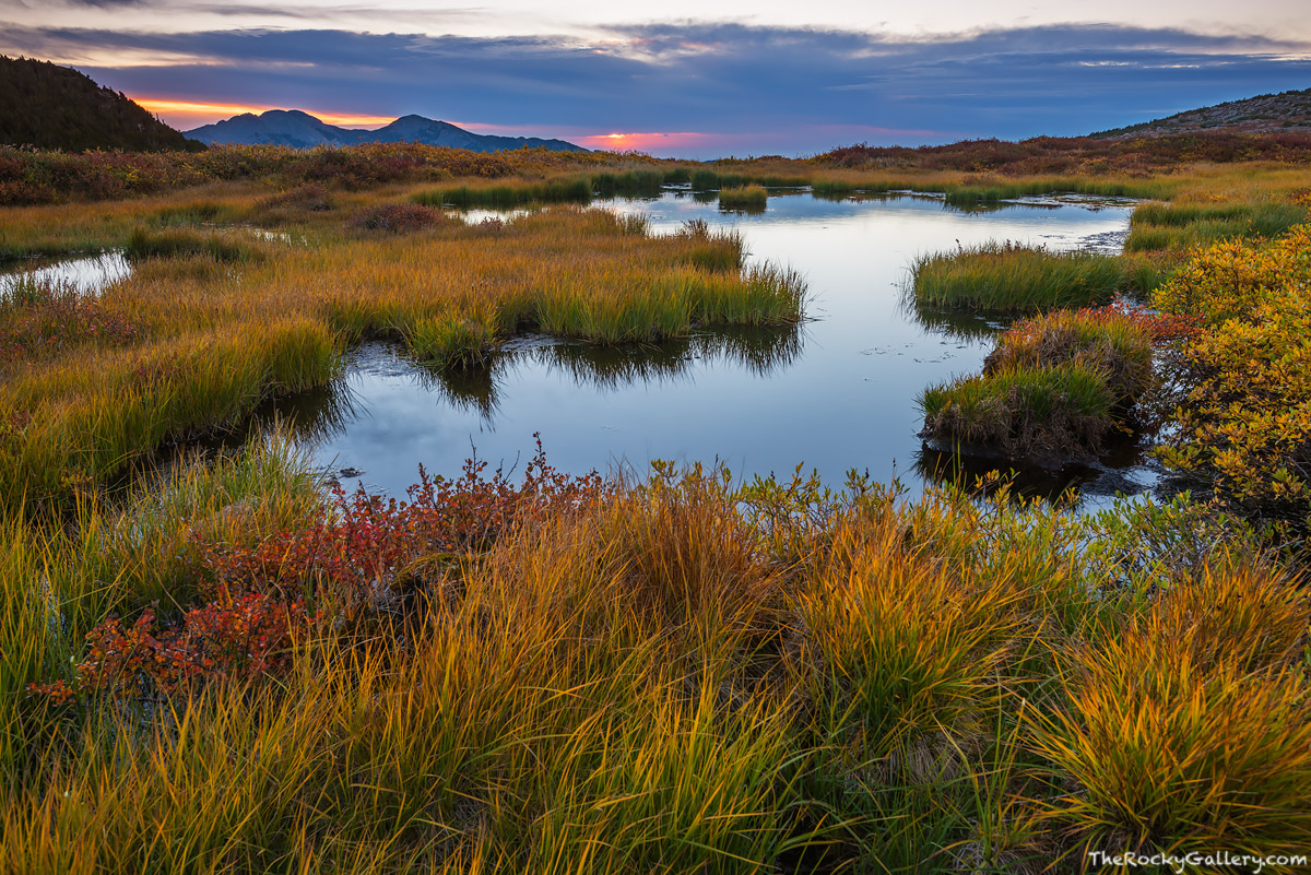 Longs Peak,Twin Sisters,Trailhead,Alpine,Treeline,Autumn,Fall,September,Sunrise,Estes Park,Rocky Mountain National Park,Colorado,RMNP,Landscape,Photography, photo