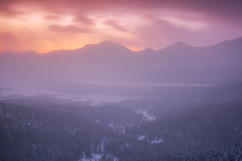 Sunrise,Rocky Mountain National Park,Colorado,Estes Park,Many Parks Curve,Trail Ridge Road,Moraine Park,Upper Beaver Meadows, snow,winter,Estes Park,RMNP,Grand Lake, photo