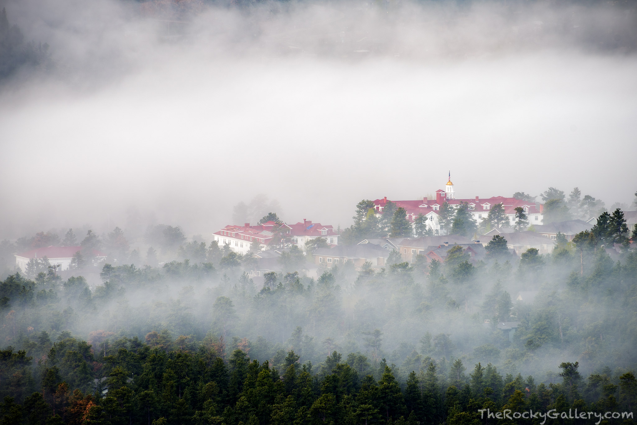 Stanley Hotel,FO Stanley,The Shining,Stephen King,Movie,Haunted,Mysterious,Lumpy Ridge,RMNP,Colorado,Rocky Mountain National Park,Fog,Estes Park,Hotel,May, photo