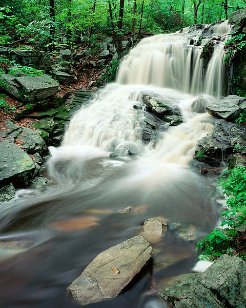 New York, Harriman State Park, Tioratti Falls, Spring, photo